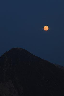 赤い満月と久住山Ⅰ