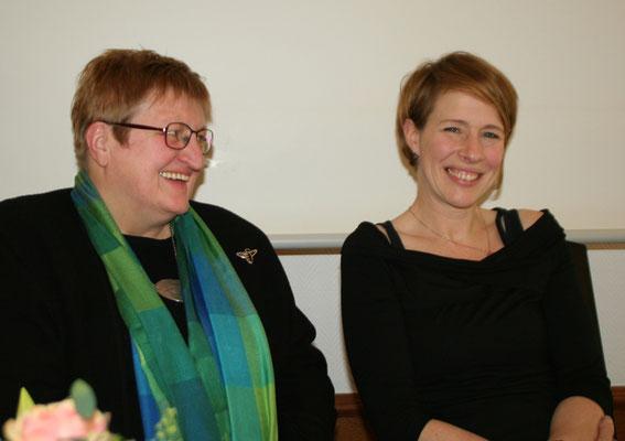 Anette Icken und Bettina Becker von Sunrise e.V.