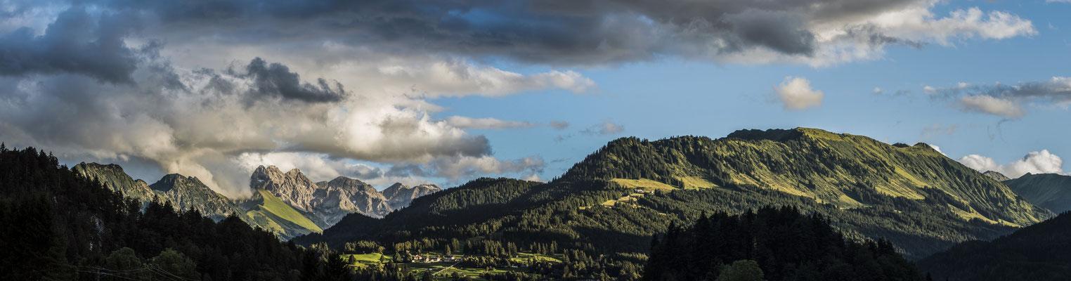 Ausblick vom Gschwenderhaus, Tiefenbach