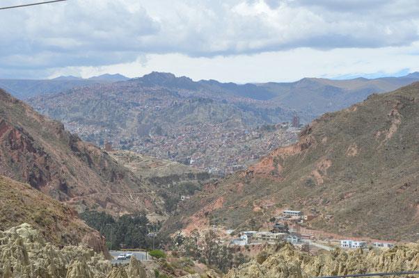 Ausblick von EL ALTO, einem ehemaligen Vorort von LA PAZ