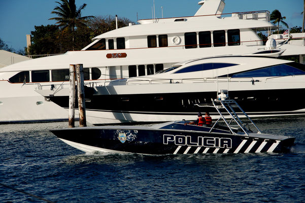 Powerboat der Polizia nach Miami Vice