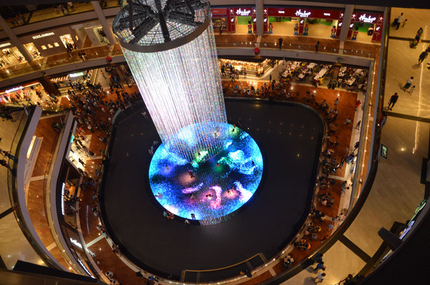 ...  IM MARINA BAY SANDS SHOPPINGS