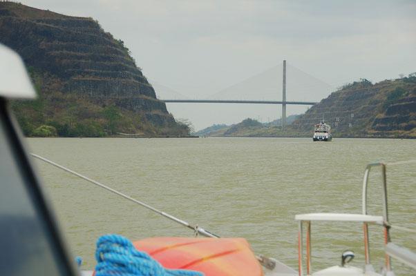 Im Panamakanal, hier im Guilardcut, dem schwierigsten Teil bei der Grabung.