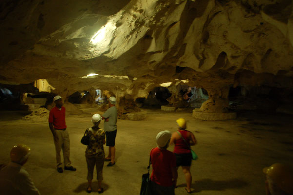 Green Grotto Caves,  Grosse Halle....