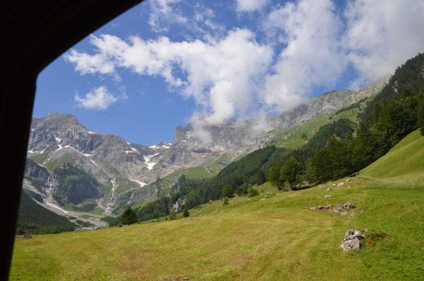 Fahrt durch die Alpen
