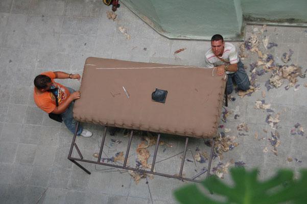 Der Bettenbauer kommt ins Haus - und fertigt neue Matratzen