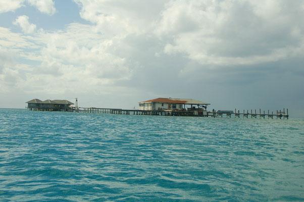 Fischereikooperative auf Stelzen gebaut