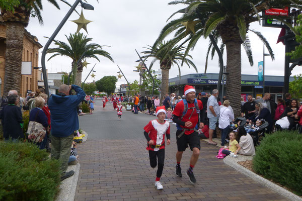 SANTA RUN IN VICTOR HARBOUR