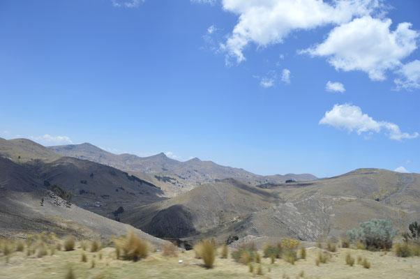 In BOLIVIEN Richtung peruanische Grenze.....