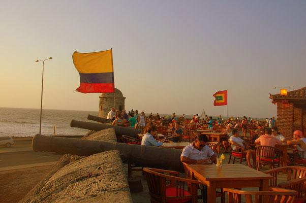 Zum Sonnenuntergang im Cafe del Mar.....de Cartagena del Indias
