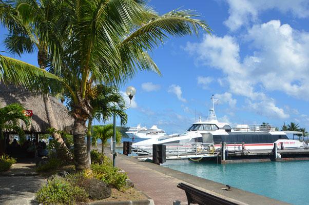 Anleger der Catamaranfähre, Verbindung zum Airport