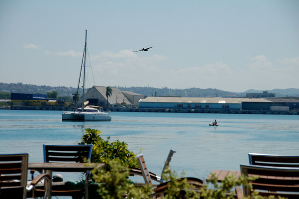 Im Montego-Bay-Yachtclub...
