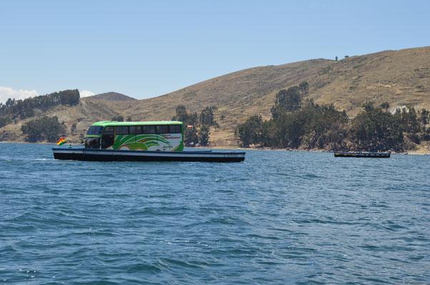 Busverschiffung auf dem TITICACASEE bei SAN PEDRO DE TIQUINA