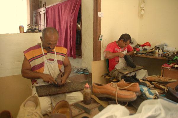 staatliche Schuhreparaturwerkstatt