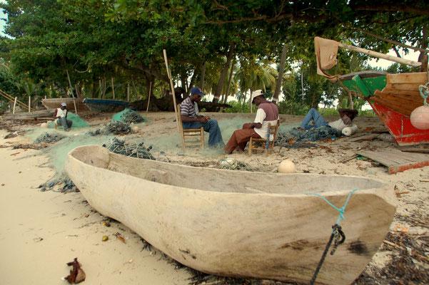 Die Dorffischer bei der Arbeit......