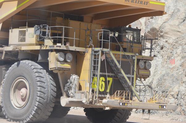 5000 ltr Diesel in 8 Stunden verbrauchen diese Monster