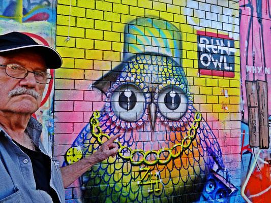 Pedro Meier PhotoArt – »RUN OWL RUN« – Red Factory – Zürich Switzerland  – »Selfie-Art-Project« – Photo 2016 © Pedro Meier Multimedia Artist / ProLitteris – Niederbipp – Bangkok