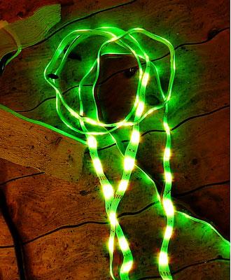 Pedro Meier – Nr. 27 – Lichtkunst – LightArt – Neon/LED – 200 Jahre altes Bauernhaus, Dachstock – Photo © Pedro Meier Multimedia Artist MoMA Bangkok – FLUXUS – DADA – SIKART Zürich – Gerhard Meier Weg Niederbipp Bern bei Solothurn Oberaargau