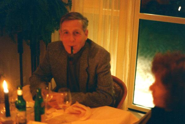 Pedro Meier Kunsthaus Zofingen Ausstellung – Ernst Nef, ehemals Präsident Schweizerischer Schriftstellerinnen- und Schriftsteller-Verband (SSV), Literarischer Club Zürich; Literaturkritiker: Tages-Anzeiger, NZZ, Die Zeit. Pedro Meier Niederbipp. SIKART ZH