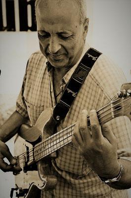 Georg Pedrotti: Bass