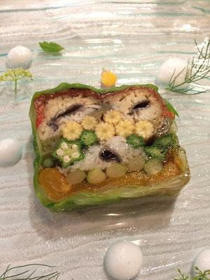 ハモと野菜のテリーヌ 海水の泡のムースとともに