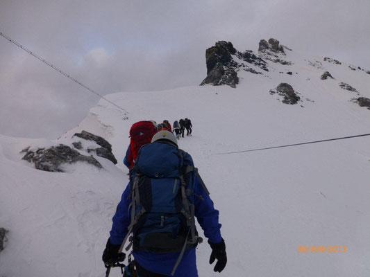 Von der Payerhütte weg mit Steigeisen