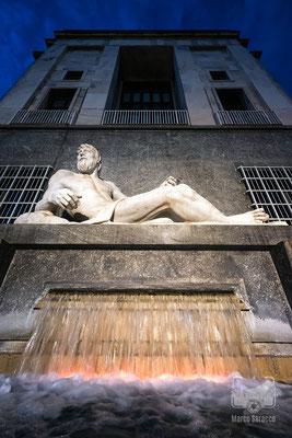 35 - La statua del Po in Piazza CLN
