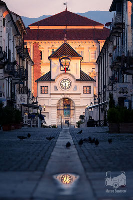 24 - La Reggia di Venaria illuminata dalle prime luci dell'alba