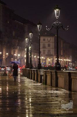 24 - L'eleganza di Torino sotto la pioggia
