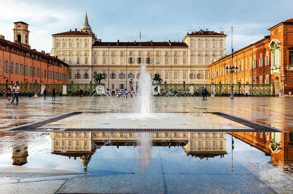 11 - Piazza Castello poco prima del tramonto