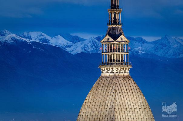 03 - La Mole Antonelliana e le Alpi innevate