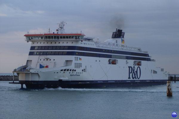 Spirit of France repart vers Douvres après avoir débarqué le Capitaine à Calais (© lebateaublog 2012)