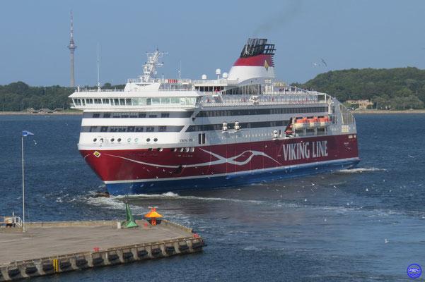 Viking XPRS 2008 Helsinki/Tallinn 185m/27,7m/34000GT/25n/2500pax/1000ml (© lebateaublog 2015)