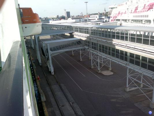 Star & Baltic Princess au Terminal D à Tallinn (© lebateaublog-DC 2012)