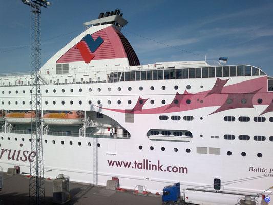 Baltic Princess au Terminal D à Tallinn (© lebateaublog-DC 2012)