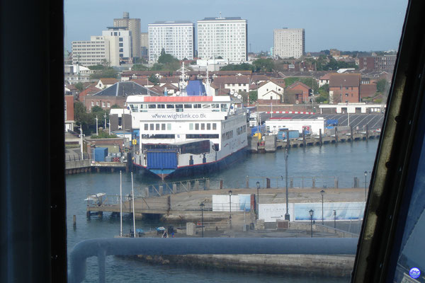 St Cecilia amarré au Portsmouth Gunwharf Ferry Port (© lebateaublog 2012)