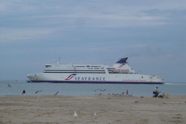 Seafrance Molière à Calais (© lebateaublog 2011)