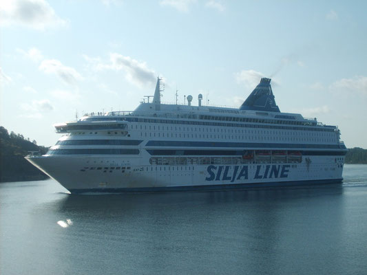 Silja Europa sillonnant l'archipel de Stockholm (© lebateaublog-Dany C. 2011)