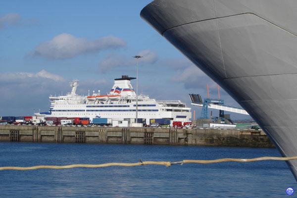 Bretagne au poste 2 de Cherbourg (© lebateaublog 2013)