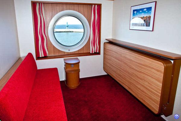 Baltic Queen - Cabine rouge extérieure (© lebateaublog-DC)
