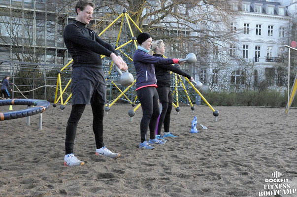 dockfit altona fitness bootcamp hamburg training battle ropes action 11
