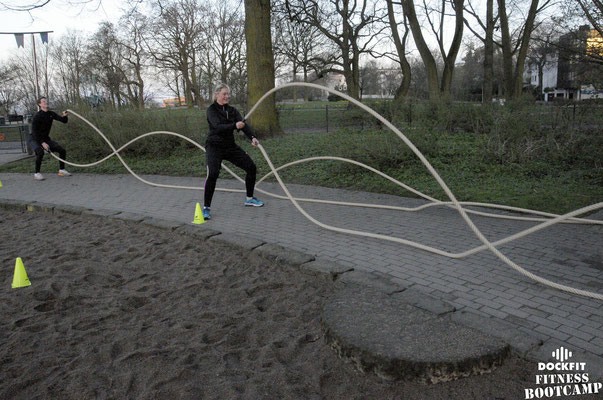 dockfit altona fitness bootcamp hamburg training battle ropes action 12