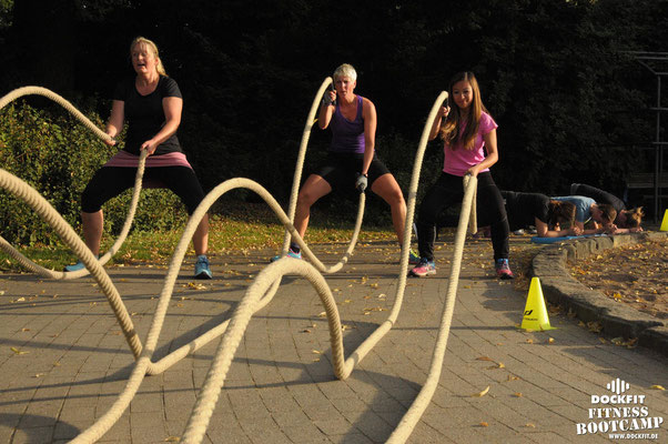dockfit altona fitness Personal-Trainer bootcamp hamburg training fitnessexperten hamburg dockland battle ropes outdoor training NDR