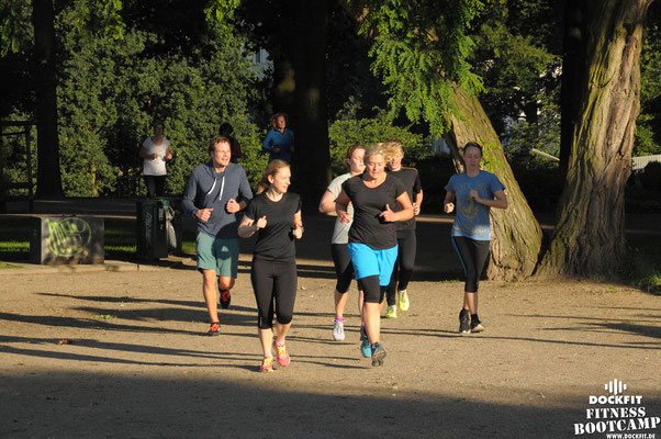 dockfit altona fitness Personal-Trainer bootcamp hamburg training fitnessexperten hamburg dockland battle ropes outdoor training sat1 Sommer