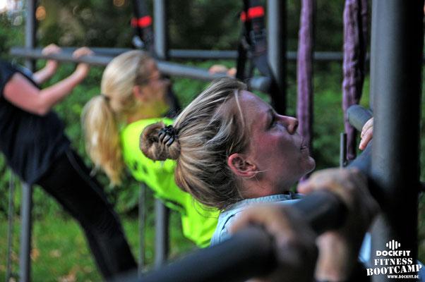 HIIT triathlon stadtpark dockfit altona fitness Personal-Trainer bootcamp hamburg training fitnessexperten hamburg dockland battle ropes outdoor training Burpees overhead  2017 abnehmen Gewichtsreduktion outdoor Montag Mittwoch Altonaer-Balkon Sixpack