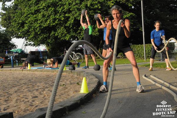 dockfit altona fitness Personal-Trainer bootcamp hamburg training fitnessexperten hamburg dockland battle ropes outdoor training NDR