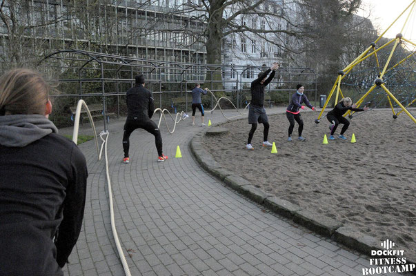 dockfit altona fitness bootcamp hamburg training battle ropes action 14
