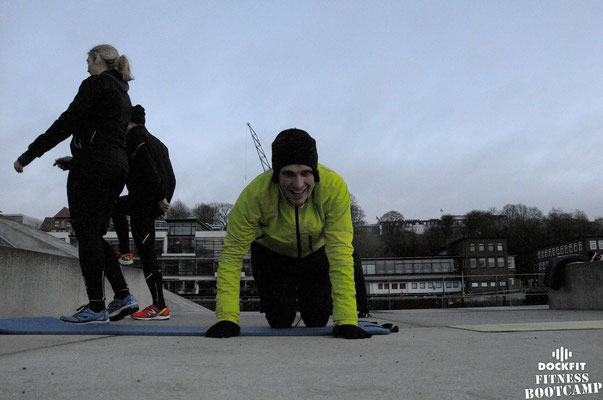 dockfit altona fitness bootcamp hamburg training licht