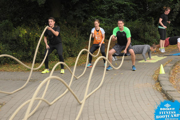 dockfit altona fitness Personal-Trainer bootcamp hamburg training fitnessexperten hamburg dockland battle ropes outdoor training NDR urbanathlon