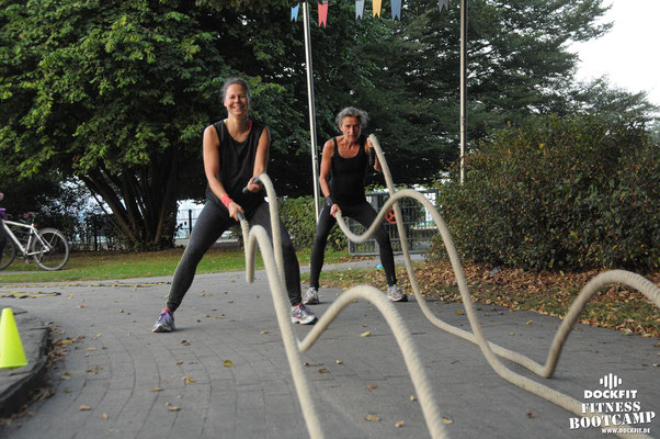 dockfit altona fitness Personal-Trainer bootcamp hamburg training fitnessexperten hamburg dockland battle ropes outdoor training Hindernisse Dockfit Aida Diva
